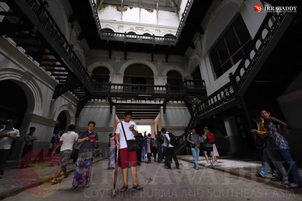 旧ビルマ省庁舎内(photo by Irrawaddy news)